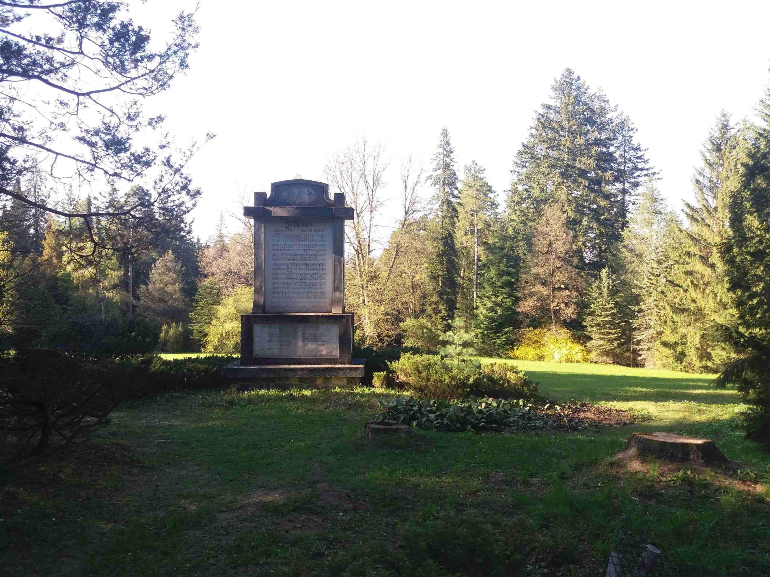 Arboreto Řícmanice - Monumento de Arboj