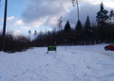 Lesní cesta Brněnka - začátek / konec u PR Čihadla v zimě