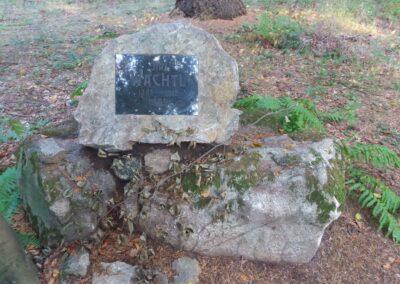 Lesní cesta Klepačovská - Wachtlův pomník