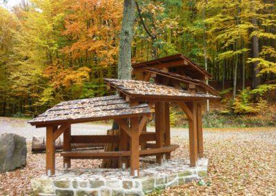 Lesní cesta Schindlerova - odpočívadlo