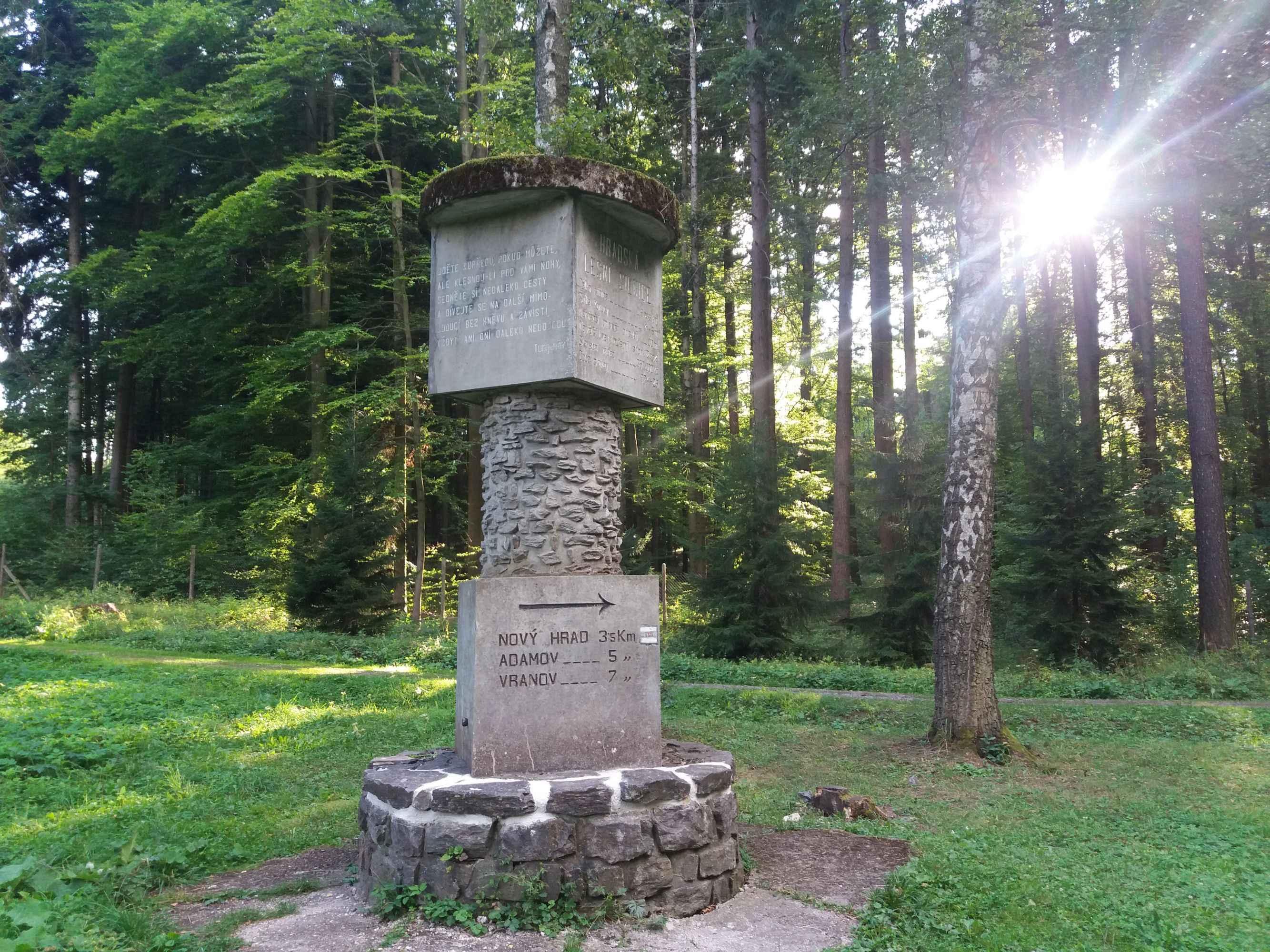 Monumento de arbara vojo Hradská